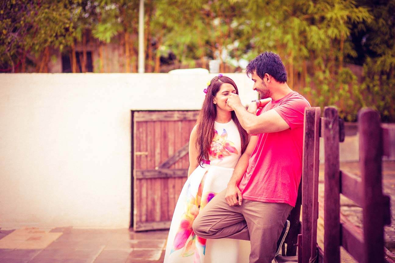 ... Cute poses and ideas for pre wedding shoot.